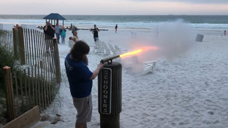 Schooner's Cannon, Things to Do in Panama City Beach Florida
